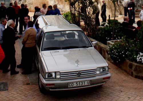 VW Passat 32B Leichenwagen